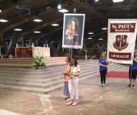 Les abanderades de la fundació en la Processó del Santíssim